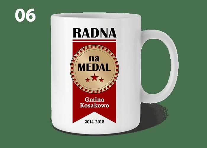 Kubek z napisem RADNA NA MEDAL może być ciekawą i praktyczną pamiątką dla każdej radnej na zakończenie kadencji.
